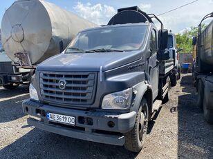GAZ C41R13-5 flatbed truck